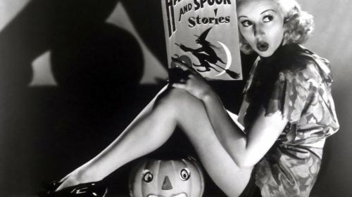 Halloween Pin Up Betty Grable